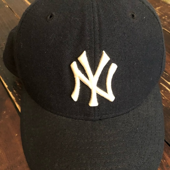 Vintage NY Yankees Wool Fitted Hat. M 5aa1ac203afbbda1e05b2dce 3aaa1d5aa7d